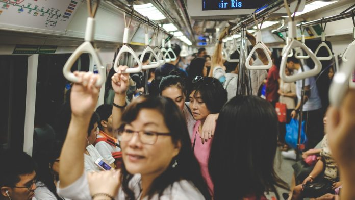 China banning of eating and drinking in subway